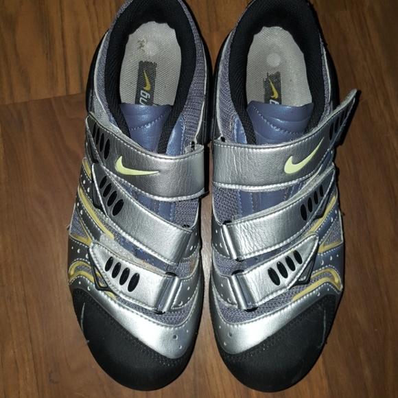 Nike ACG women s cycling shoes. M 5af9b3e150687c5fe79f149a 288c4373481e